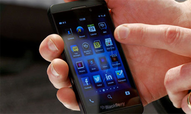 يعد الهاتف الذكي بلاك بيري زد 10 أسرع هواتف الشركة وأكثرها تطوراً حتى الآن
