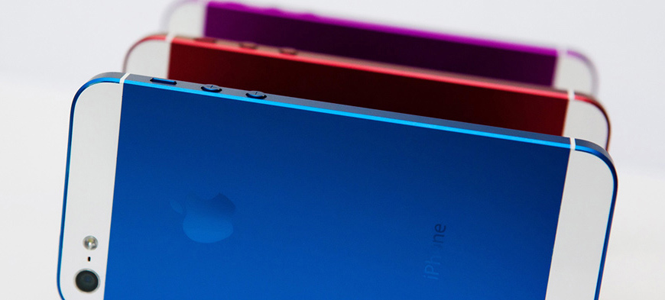 ستأتي هواتف آيفون الثلاثة بقياسات متباينة للشاشة ، أكبرها 4.8 إنش