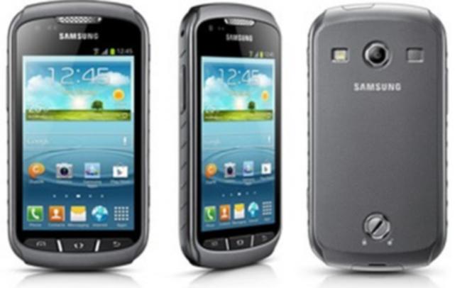 يتميز الهاتف Galaxy Xcover 2 بمقاومته للماء والغبار والطين