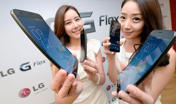 """هاتف """"جي فليكس"""" من شركة إلى جي يعتمد على شاشة منحنية"""