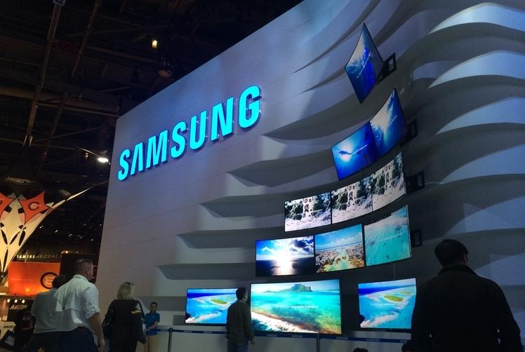سامسونج تكشف عن تلفزيون بشاشة منحنية 105 إنش