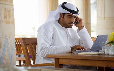 دراسة: 8 ساعات يقضيها السعودي على الإنترنت يوميا