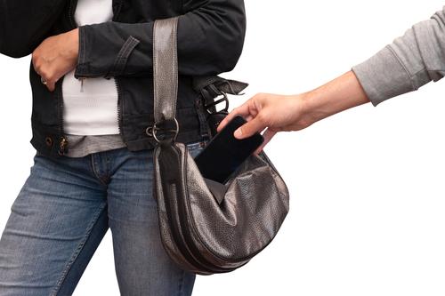 تطبيقات جديدة من أبل وسامسونج وغوغل  لمكافحة سرقة الهواتفa