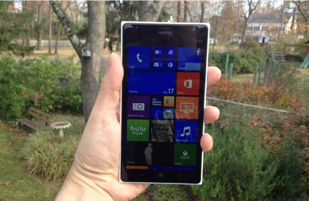 مايكروسوفت تعلن عن هاتف لوميا جديد يتم التحكم فيه بالإيماءات