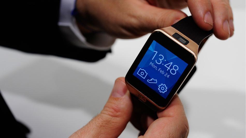 سامسونج تكشف عن الساعة الذكية جالاكسي جير 3 الشهر المقبل