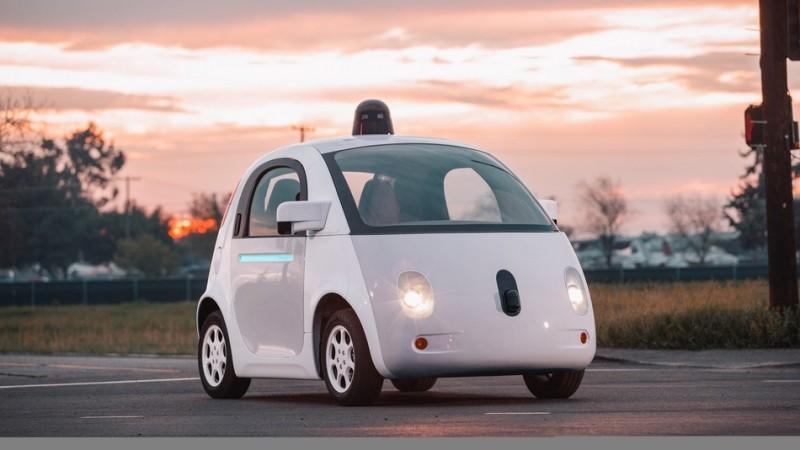 بالفيديو.. جوجل تختبر سياراتها في شوارع ماونتن فيو