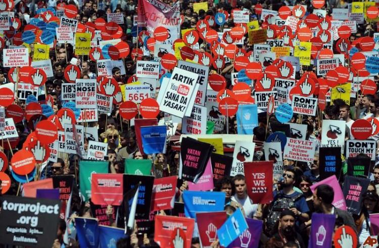 الإنترنت يتعرض لهجوم شرس في تركيا