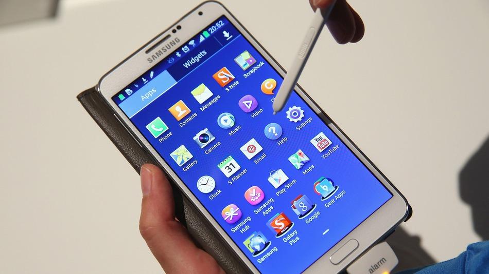 سامسونج تخطط لإطلاق هاتف منحني جديد من فئة جالاكسي