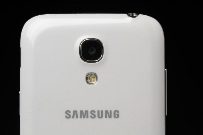 هواتف سامسونج بدقة 16 ميجابيكسل في 2014