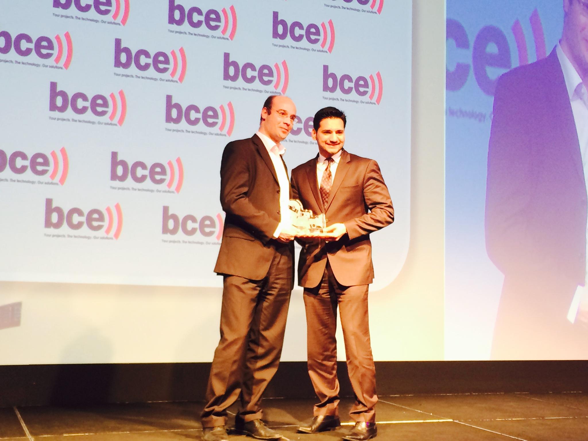 دو تحصل على جائزة أفضل موفر لخدمات الأقمار الصناعية في 2014