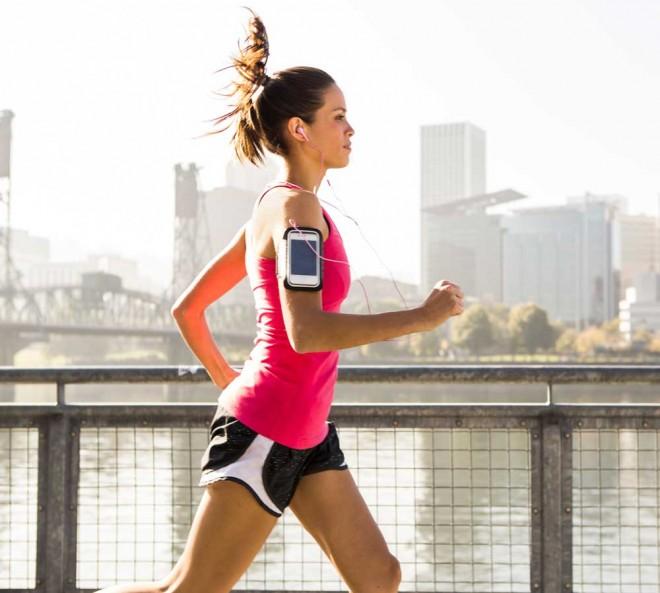 تطبيق لهواتف آيفون يضبط الموسيقى لتناسب سرعة الركض