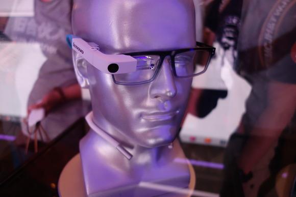 لينوفو تسعى لمنافسة غوغل جلاس بنظارة ذكية جديدة