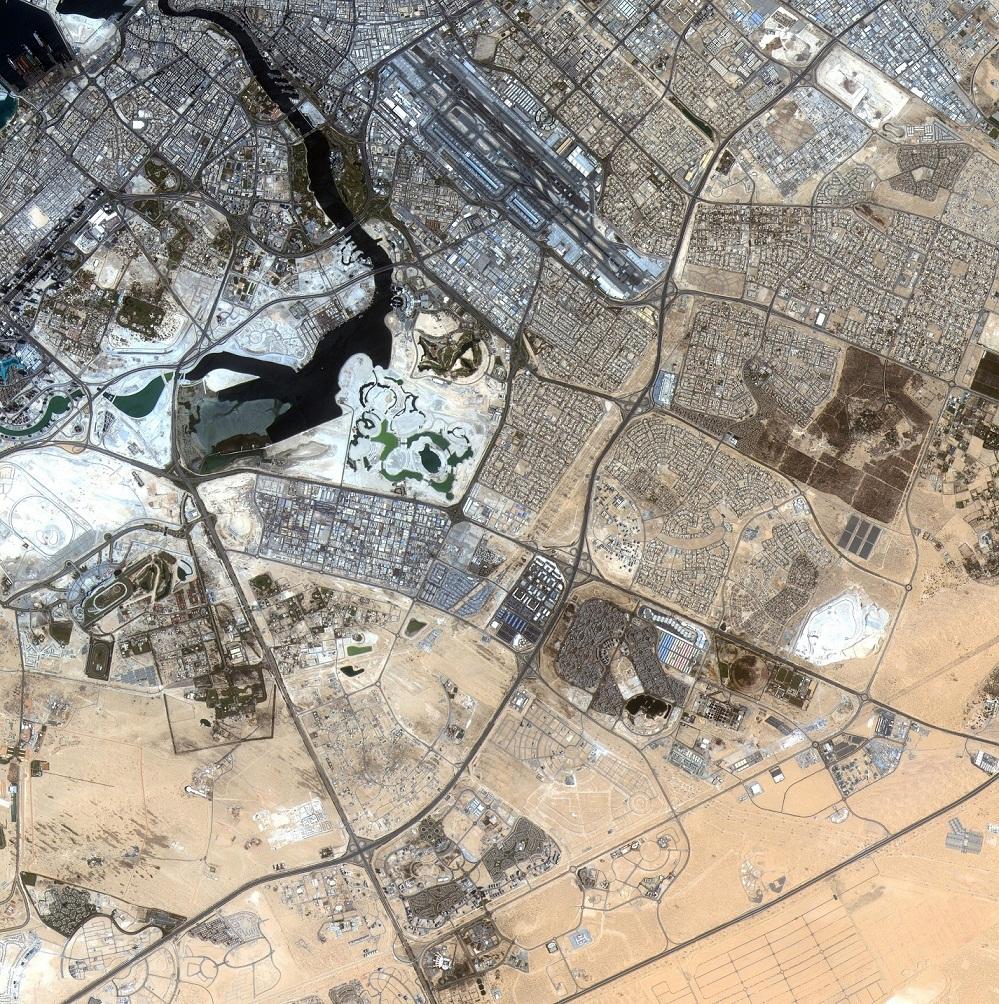 خمس سنوات على إطلاق القمر الصناعي دبي سات1