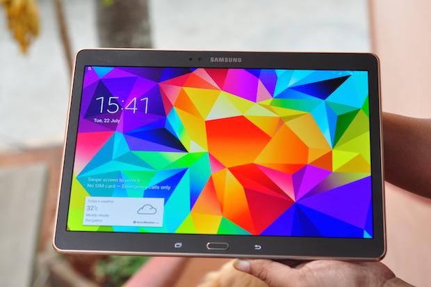 بلاكبيري تطلق نسخه أمنه من الحاسب اللوحي Galaxy tab S 10.5