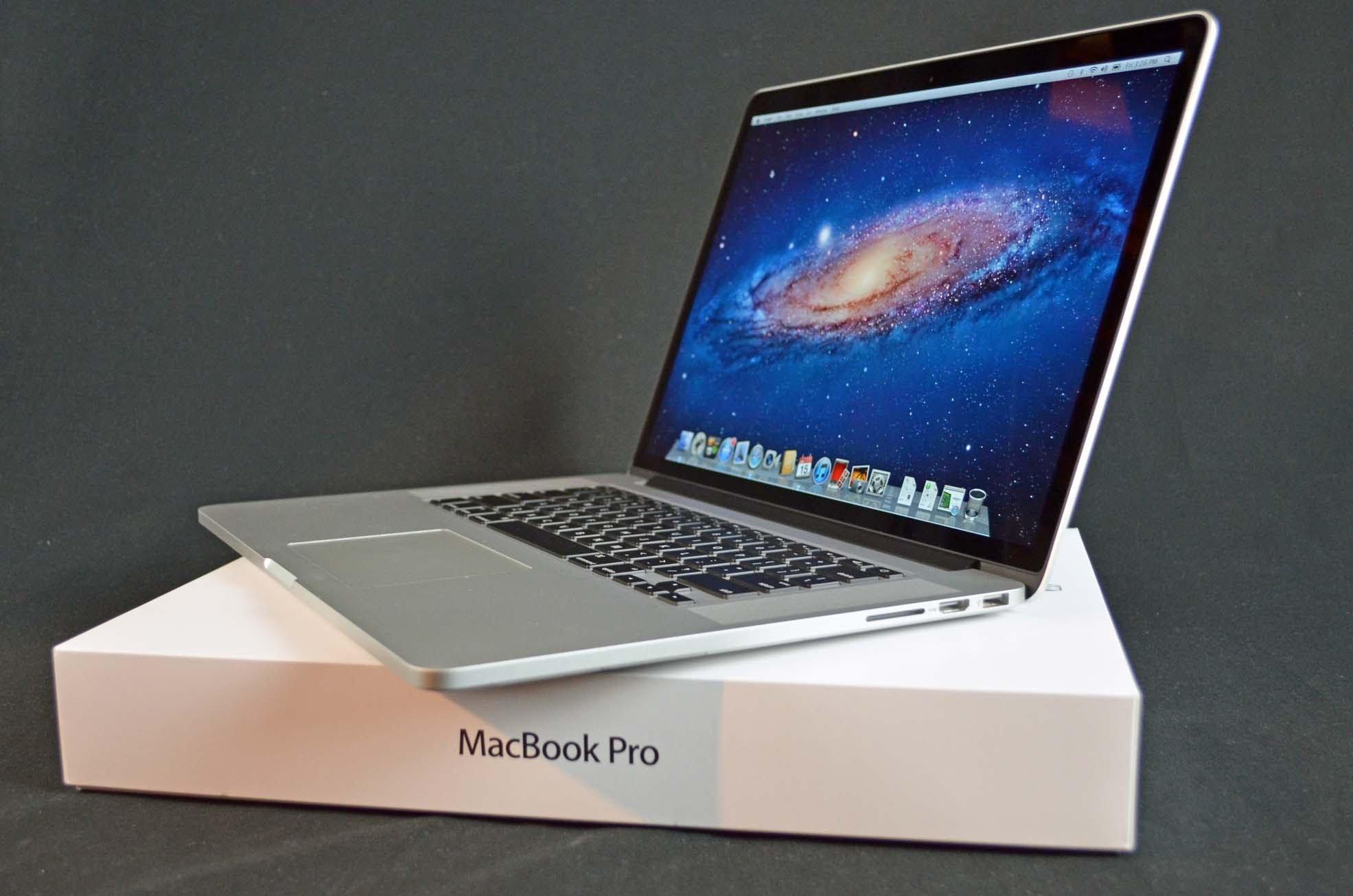موعد وصول حواسب MacBook Pro إلى المتاجر Mac