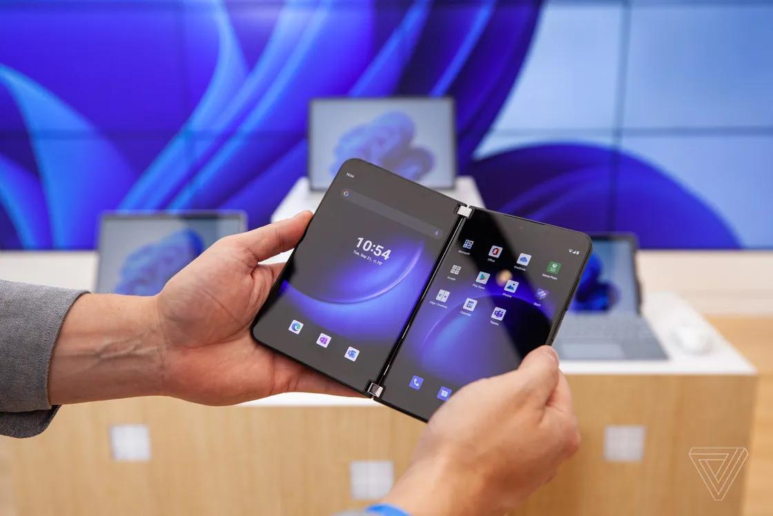 مايكروسوفت تُعلن عن تحديث أندرويد 11 لأجهزة Surface Duo قبل نهاية العام