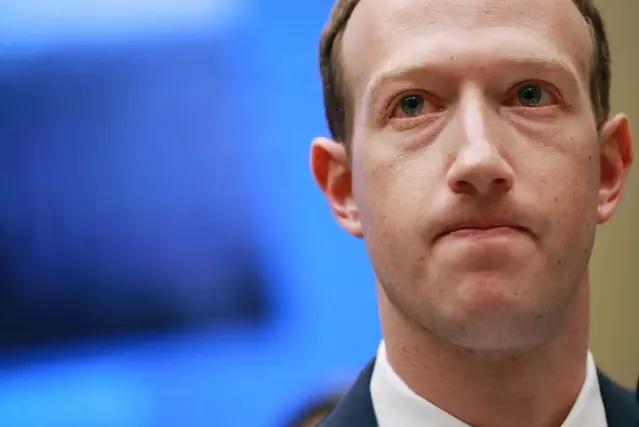 مارك زوكربيرغ خسر 7 مليارات في ساعات