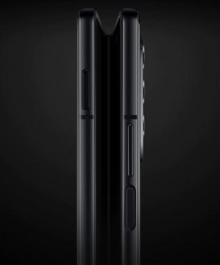 رسميا.. سامسونج تطلق هاتف W22 5G القابل للطي